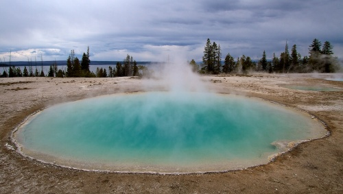 Blue Funnel Spring+West Thumb Geyser Basin+Yellowstone+Wyoming
