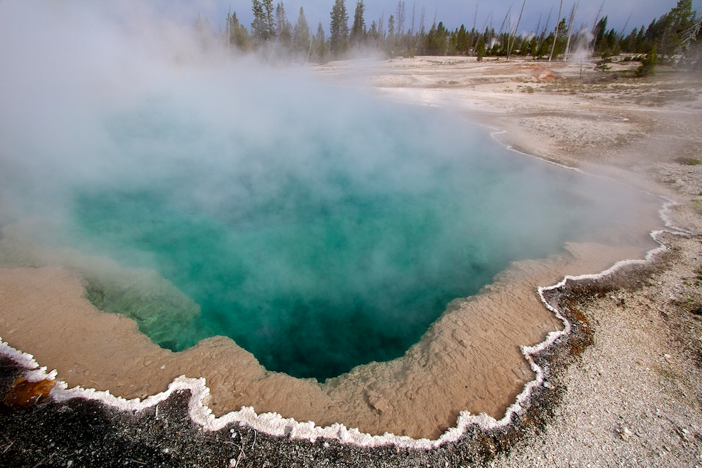 Black Pool+West Thumb Geyser Basin+Yellowstone+Wyoming