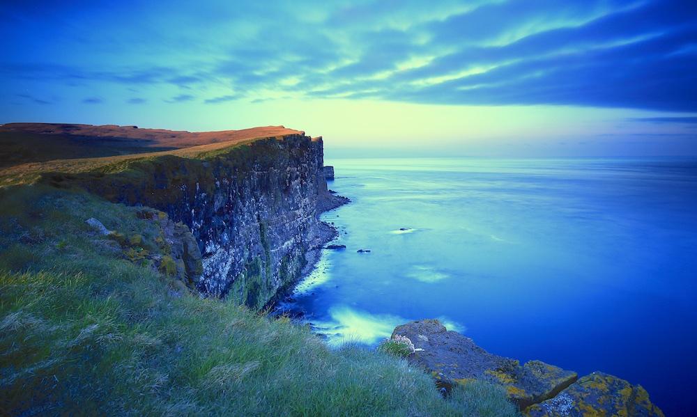 Falaise, soleil de minuit, Islande, Latrabjarg