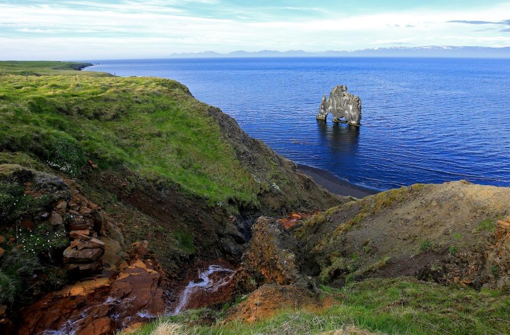Le Hvítserkur, littoral oriental de la péninsule de Vatnsnes (Nord-Ouest)