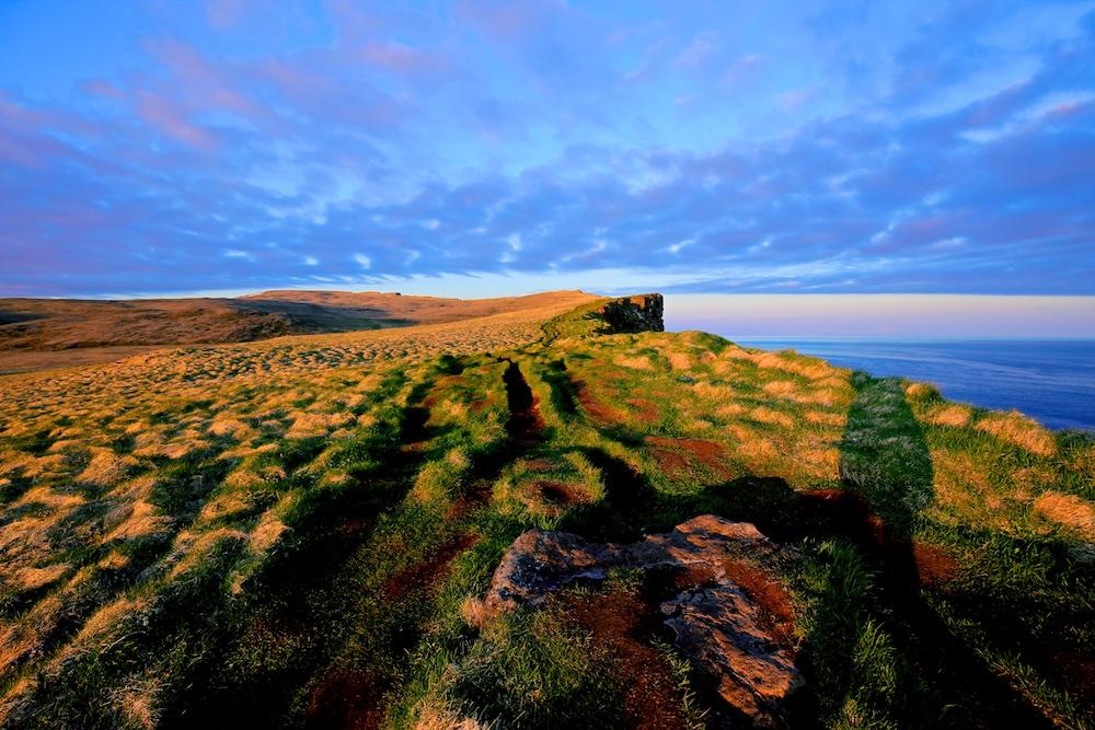 Latrabjarg, falaises, soleil de minuit, Islande