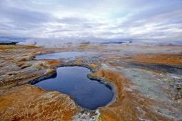 source d'eau chaude, fumerolle, mare de boue, solfatares, Hverarond, Hverir, paysages, Islandede