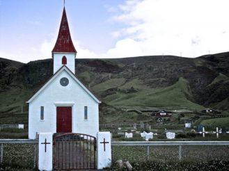 Reynir, église, Islande